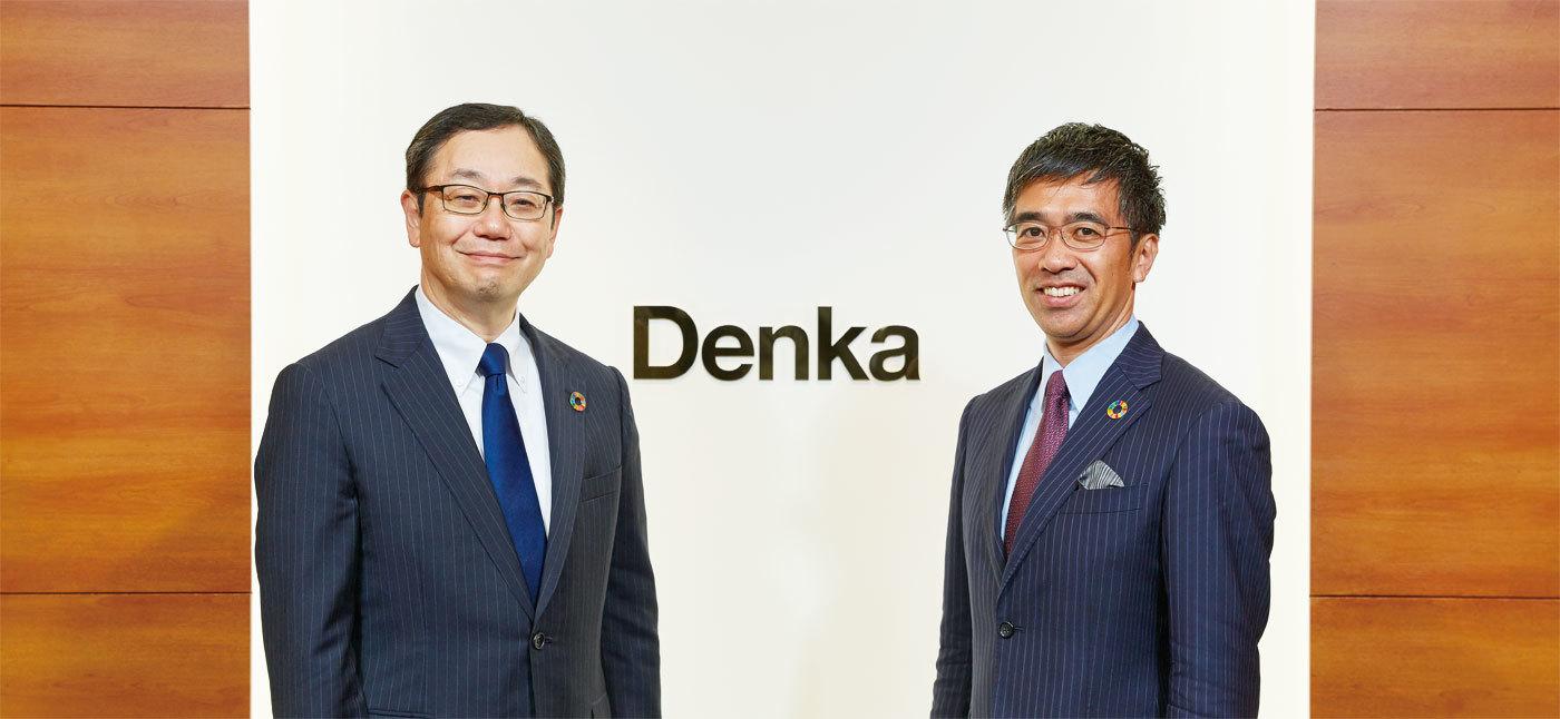 2019年6月 デンカ本社にて 左/山本社長 右/蟹江教授